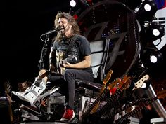 Star Tracks: Monday, July 27, 2015   ROCK THE BOOT   Injured Dave Grohl performed with the Goo Fighters at the Ansan Valley Rock Festival in Anan, South Korea, on Sunday.