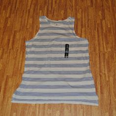 💜Sale💜 GAP Tank NWT Size medium GAP Tops Tank Tops