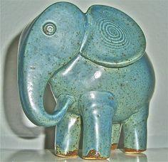 blauer Elefant in toller Ausformung