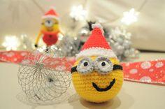 Bola navideña con forma de Minion :)