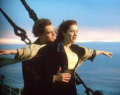 """Uma das cenas mais marcantes desse sucesso que foi """"Titanic"""",quando Rose interpretada por Kate Winslet entrega-se aos braços de Jack, vivido por Leonardo DiCaprio"""