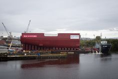 LB04 loaded onto the barge by QEClassCarriers, via Flickr