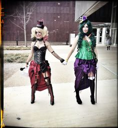 Harley-Quinn and the Joker with a SteamPunk twist at Dallas Comicon