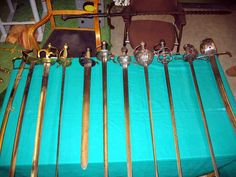Blankvapen - skillnader mellan värjor, raoirer och sablar