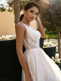 Luxury Wedding Dress, Wedding Dress Shopping, Wedding Dresses, The Bride, Bridal Gowns, Floral, Fashion, Bride Dresses, Bride Dresses
