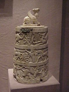 Etruscan Ivory Pyxis with Sphinx Finial C. 650 BCE Cerveteri Tuscanya