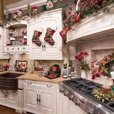 Christmas Home Decor – Linly Designs Luxury Christmas Decor, Unique Christmas Decorations, Christmas Interiors, Farmhouse Christmas Decor, Christmas Kitchen, Cozy Christmas, Country Christmas, Kitchen Decorations, Christmas Decorations For Apartment