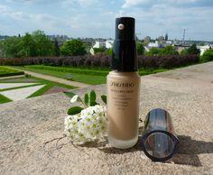 Shiseido Synchro Skin Lasting Liquid Foundation SPF 20 - inteligentny i długotrwały podkład do makijażu ~ Lepsza wersja samej siebie