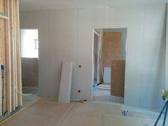 Barnens rum är snart gipsade och redo för målaren.