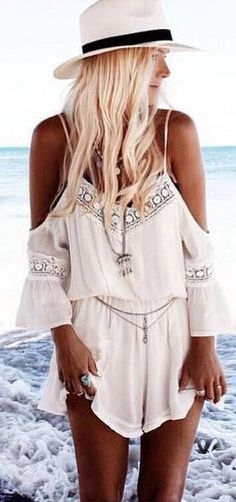 We're doing everything we can to get you flirting this summer, and this pair of rompers is a good example. It gives an awesome silhouette and shows your beauty completely. Find it at OASAP!