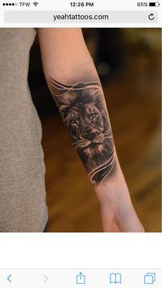 tattoo arm frau, löwe tattoo in schwarz und grau am unerarm tattoo arm woman, lion tattoo in black and gray on the unmerged Lion Forearm Tattoos, Maori Tattoos, Leg Tattoos, Girl Tattoos, Tattoos For Guys, Sleeve Tattoos, Tattoo Wolf, Forarm Tattoos For Women, Tattoo Thigh