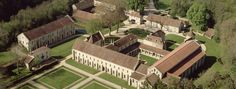 Vue aérienne de l'abbaye de Fontenay en Bourgogne Atout France / Daniel Philippe