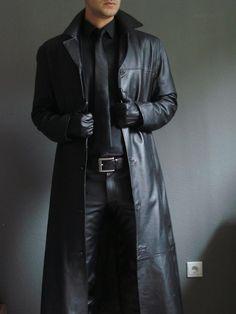 "I have this coat  ""cuir et bottes"""