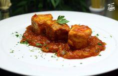 """El bonito con tomate es uno de los clásicos de las abuelas, una de las recetas caseras que se han hecho en mi casa de toda la vida y que me encantan. Es una receta muy sencilla y para los que """"no l…"""