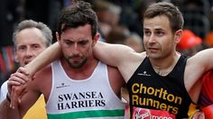 The guy that helped the struggling runner at London will both run 10k