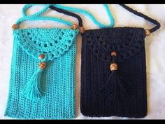 Hook Pouch Crossbody step by step. Hello girls, I suggest you to make this pretty crossbody bag crochet easy, step by step Crochet Simple, Crochet Diy, Crochet Bikini, Mobiles En Crochet, Crochet Mobile, Crochet Accessories, Doll Accessories, Crochet Stitches, Crochet Patterns