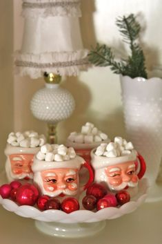 We had these Santa mugs when I was a child.  Magical time.