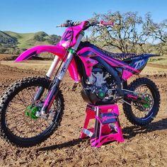 Motorcross Bike, Motocross Love, Motocross Girls, Motocross Riders, Girl Dirtbike, Dirt Bike Gear, Dirt Bike Racing, Motorcycle Bike, Dirt Biking
