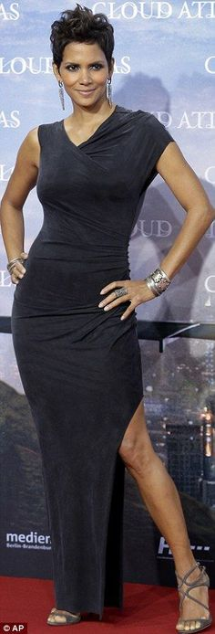 Halle Berry gorgeous at the German premiere of Cloud Atlas showing off her sexy legs and curves in a pretty navy dress and strappy high heels. #legs #heels