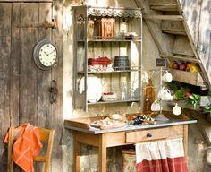 Meuble comptoir de famille pour cuisiner ou jardiner à l'extérieur