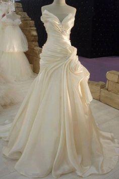Ruffles Cream Satin Wedding Dress with Beadings Elegant 2018 Long Bridal Dress