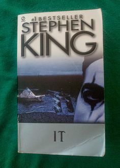 Stephen King - It Books, Motherfucker!: A book with a split personality