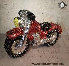 Geburtstagsgeschenk: Pailletten-Motorrad für ein Motorradfan