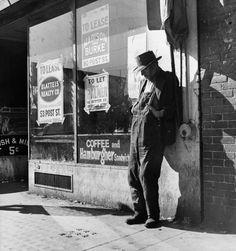 """Skid Row"", Howard Street, San Francisco, CA 1937 © Dorothea Lange"