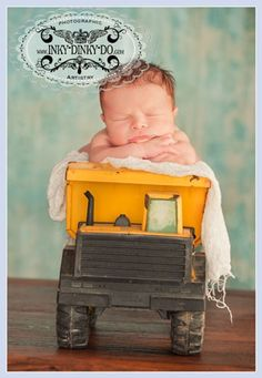 newborn baby boy pic in tonka truck Foto Newborn, Newborn Poses, Newborn Baby Photography, Baby Boy Newborn, Newborn Photographer, Children Photography, Baby Kids, Newborns, Photography Ideas