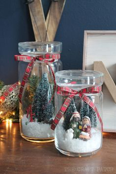 Turn any glass jar into a winter scene. Love these snowglobes! Diy Christmas Decorations For Home, Christmas Lanterns, Christmas Mason Jars, Easy Christmas Crafts, Christmas Centerpieces, Diy Christmas Ornaments, Homemade Christmas, Christmas Projects, Christmas Nativity Scene