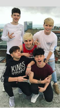 "The boys on the rooftop for the ""I'm the one"" cover video Tv Band, Boy Bands, The One, Roadtrip Boyband, Brooklyn Wyatt, Road Pictures, Road Trip Essentials, Chance The Rapper, Boy Photos"