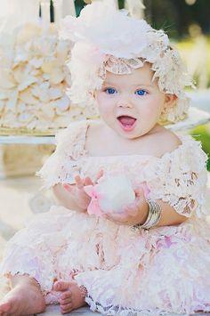 Cream lace dress por ladyjanecouture en Etsy, $229.00