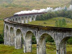 Glenfinnan Viaduct, Scotland #harrypotter #family