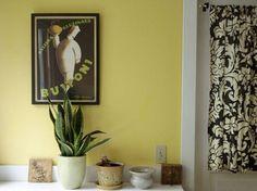 Roundup: Sunny Yellow Walls | Apartment Therapy