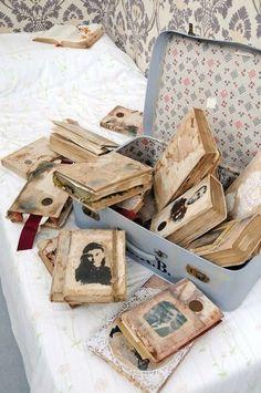 Vintage Books & Photos (Diana Wayne - MA Illustration coursework (via Smoothshow for MA Illustration: Authorial Practice)) Handmade Journals, Handmade Books, Journal Covers, Book Journal, Small Journal, Old Books, Vintage Books, Vintage Journals, Vintage Stuff