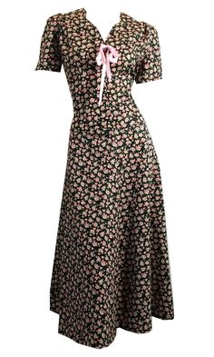 Sweetheart Neckline Pink and Black Cotton Dress w/ Pink Bow circa 1950s