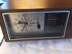 Vtg-Alarm-Clock-Radio-General-Electric-GE-Analog-AM-FM-Clock-Radio-7-4550A