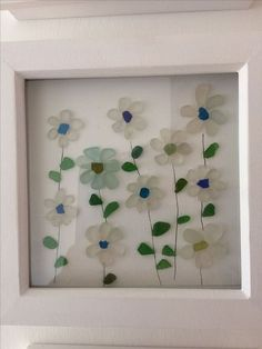 Stunning 36 Fancy DIY Home Decor Ideas With Colored Glass and Sea Glass https://homedecormagz.com/36-fancy-diy-home-decor-ideas-with-colored-glass-and-sea-glass/