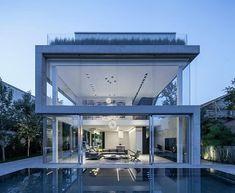 Fachadas de casas modernas com paredes de vidro
