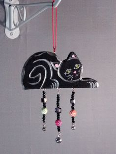 Black cat wood hand painted decorative hanging от MagpieDoodads