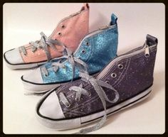 Party Favor Jubilee presents Run With It, our first do-it-yourself holiday gift.  Fill this glitter sneaker pencil case with nail polish, stickers, school supplies and more.  Then, race to the finish line.  The Run With It is a shoe-in for fun. $10.00 Visit: partyfavorjubilee.com