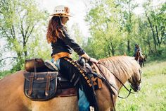 Comancheros' italian leather saddlebag , 100% waterproof , perfect for trekking!
