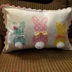Bunny Pillow Easter Decorations White Pillow Gray Pillow Pom Poms - - Bunny Pillow Easter Decorations White Pillow Gray Pillow Pom Poms Artesanato added a photo of their purchase Applique Pillows, Sewing Pillows, Spring Crafts, Holiday Crafts, Grey Pillows, Throw Pillows, Easter Pillows, Diy Ostern, Baby Sewing