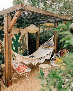 Bohemian Decor Ideas for Outdoor Patio Space Backyard Patio Designs, Backyard Landscaping, Rustic Backyard, Backyard Hammock, Hammocks, Outdoor Hammock, Hammock Ideas, Outdoor Projects, Outdoor Decor