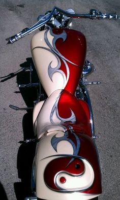 Yamaha Roadstar I painted. The seat is leather. Airkolors.com
