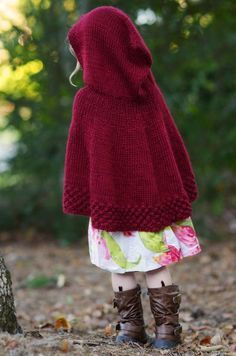 This Little Red Riding Hood Cape is so precious; free-Pattern and tutorial for…