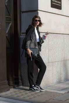 Chaussures / shoes / Vans avec un pantalon de tailleur