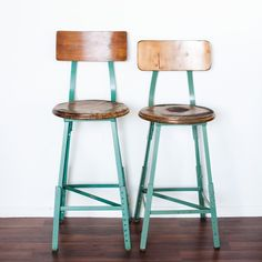 old science class room stools. LOVE! these would be so fab in a kitchen, in a studio or in a kids room