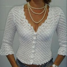 Image gallery – Page 307863324526429148 – Free Easy Crochet Tops For This Summer 2019 - Page 12 o Débardeurs Au Crochet, Pull Crochet, Gilet Crochet, Crochet Cardigan Pattern, Crochet Jacket, Crochet Woman, Crochet Blouse, Crochet Patterns, Crochet Pincushion