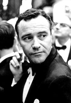 Jack Lemmon. Every single film that Jack Lemmon is in is one worth watching. Incredible talent who flagged great films. One of the Greats.